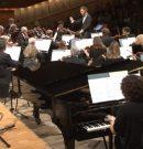 Koncert i lekcja w jednym – Adam Sztaba wraz Sinfonią Varsovią uczą, jak rozumieć muzykę